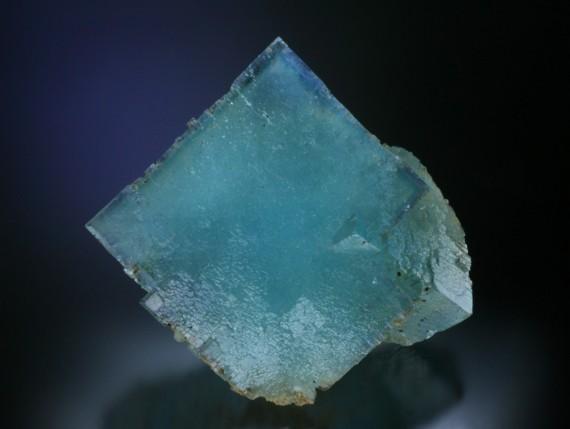 sky blue fluorite - FINE MINERALS