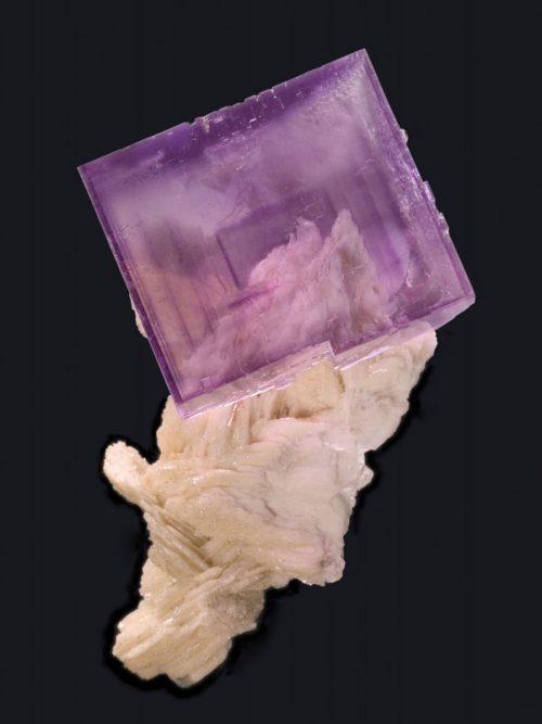 fine mineral - fluorite berbes